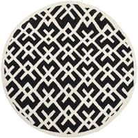 Safavieh Handwoven Moroccan Reversible Dhurrie Black/ Ivory Geometric-patterned Wool Rug - 6' Round
