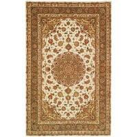 Safavieh Handmade Persian Court Ivory/ Light Olive Wool/ Silk Rug - 4' x 6'