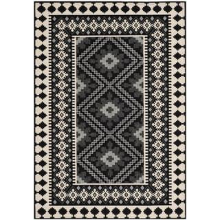 Safavieh Indoor/ Outdoor Veranda Black/ Cream Rug (5'3 x 7'7)