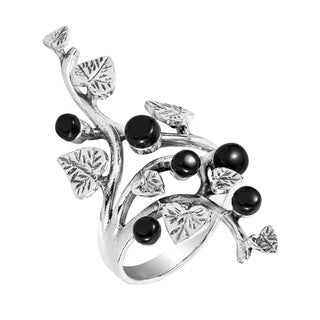 Handmade Beautiful Vine Leaf Round Black Onyx .925 Sterling Silver Ring (Thailand) (5 options available)