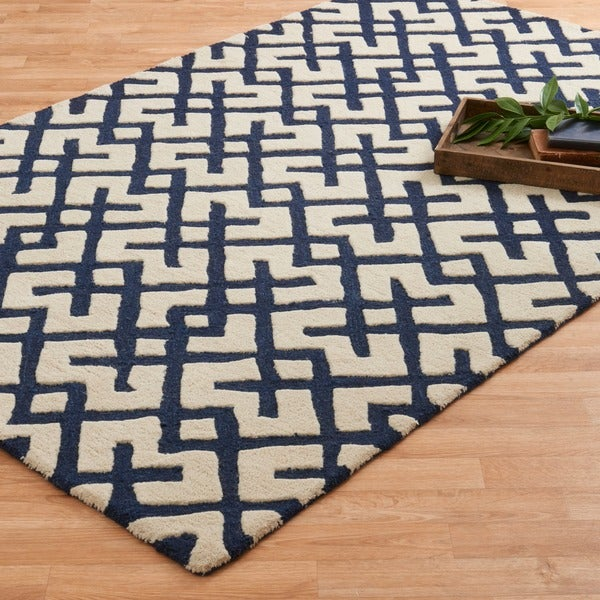 Hand-tufted Tatum Ivory/ Navy Wool Rug - 5'0 x 7'6