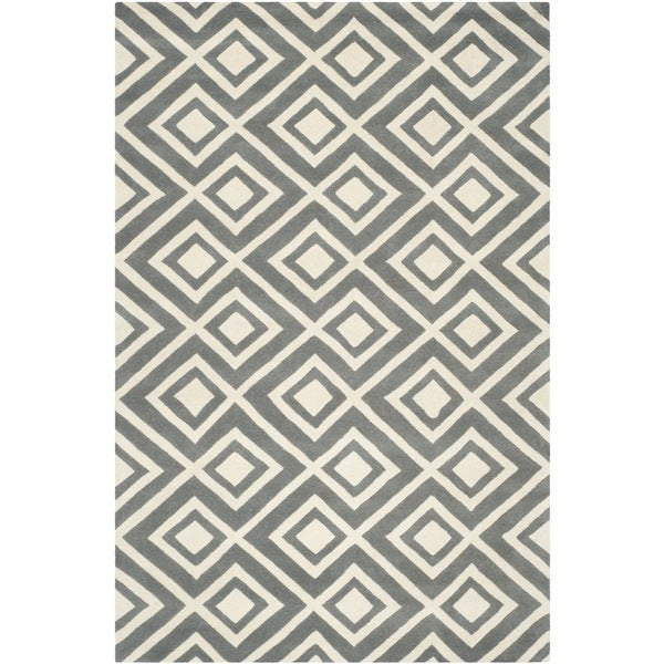 Safavieh Handmade Moroccan Chatham Dark Gray/ Ivory Wool Rug with 0.5-Inch Pile (4' x 6') - 4' x 6'