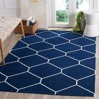 Safavieh Hand-woven Moroccan Reversible Dhurrie Navy/ Ivory Wool Rug - 6' x 9'