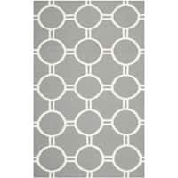 Safavieh Handwoven Low-pile Moroccan Reversible Dhurrie Grey/ Ivory Wool Rug - 4' x 6'
