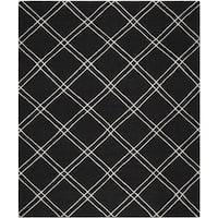 Safavieh Hand-woven Moroccan Reversible Dhurrie Black/ Ivory Wool Rug - 6' x 9'