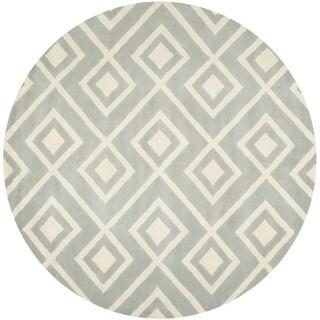 Safavieh Handmade Moroccan Chatham Gray/ Ivory Wool Area Rug (7' Round)