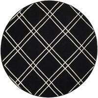 Safavieh Handwoven Moroccan Reversible Dhurrie Black/ Ivory Flat-weave Wool Rug - 6' x 6' Round