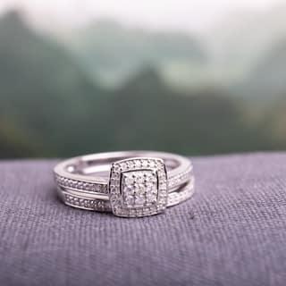 Miadora Sterling Silver 1/4ct TDW Diamond Halo Cluster Bridal Ring Set