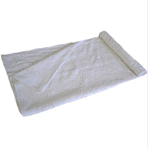 Handmade White Cotton Cutwork Bedspread (India)