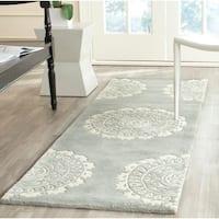 "Safavieh Handmade Bella Grey/ Ivory Wool Rug - 2'3"" x 11'"