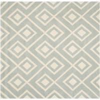 Safavieh Geometric Handmade Moroccan Chatham Gray/ Ivory Wool Rug - 7' Square