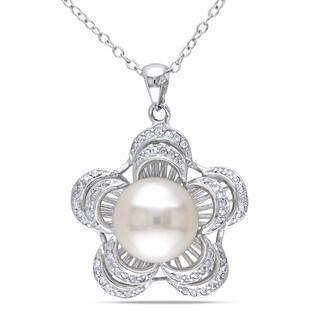 Catherine Catherine Malandrino Sterling Silver White Pearl and Cubic Zirconia Flower Necklace (9-10 mm)