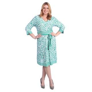 La Cera Women's Plus Size Leaf Print V-neck Dress