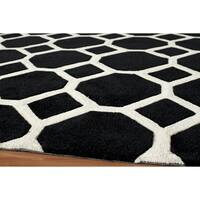 "Momeni Bliss Black Honeycomb Hand-Tufted Rug - 5' x 7'6"""