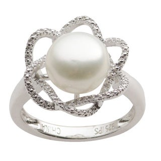 Sterling Silver White Freshwater Button Pearl and Diamond Ring (H-I, I1-I2) (9-10 mm)
