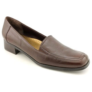 Trotters Women's Medium 'Allison' Leather Squared-Toe Casual Shoes