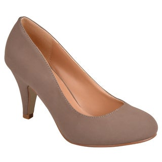 Journee Collection Women's 'Retire' Round Toe Solid Color Pumps