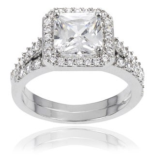 Journee Collection Cushion-cut Cubic Zirconia Bridal-style Ring Set