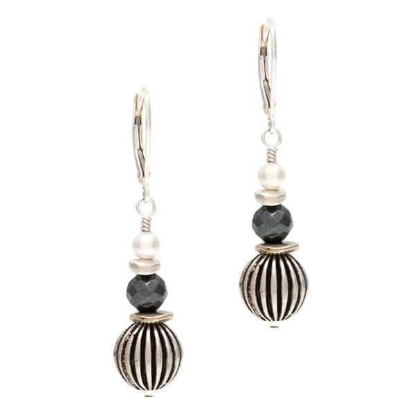 Silver 'Cuenca' Hematite and Freshwater Pearl Earrings