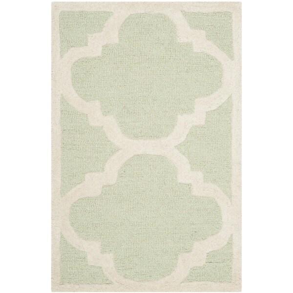 Safavieh Handmade Moroccan Cambridge Light Green/ Ivory Wool Rug - 2' x 3'