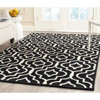 Safavieh Handmade Moroccan Cambridge Black/ Ivory Wool Area Rug - 5' x 8'