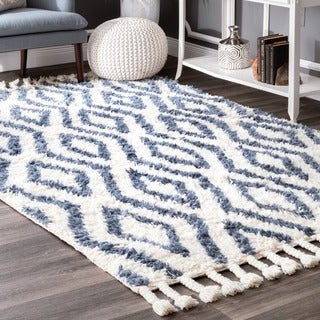 nuLOOM Hand-knotted Moroccan Diamond Trellis Blue Shag Rug (7'6 x 9'6)