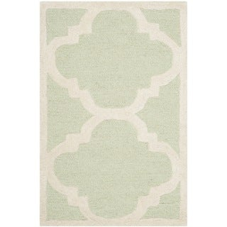 Small Safavieh Handmade Moroccan Cambridge Light Green/ Ivory Wool Rug (2'6 x 4')