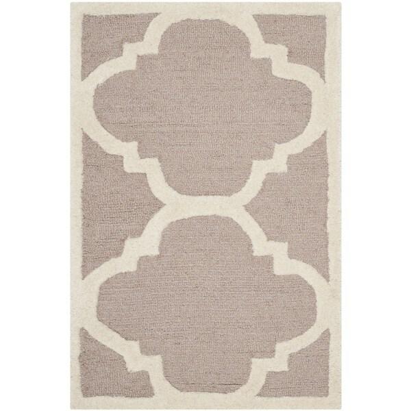Safavieh Handmade Moroccan Cambridge Rectangular Beige/ Ivory Wool Rug - 2'6 x 4'