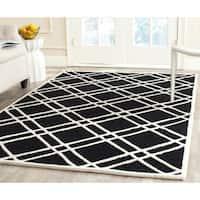 Safavieh Handmade Moroccan Cambridge Crisscross-pattern Black/ Ivory Wool Rug - 4' x 6'