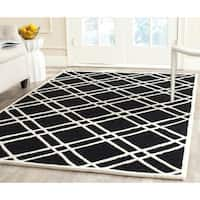 Safavieh Handmade Moroccan Cambridge Square Pattern Black/ Ivory Wool Rug - 5' x 8'