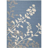 Safavieh Indoor/ Outdoor Courtyard Floral Blue/ Beige Rug - 5'3 x 7'7