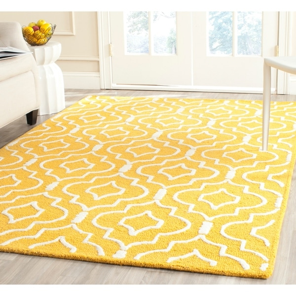 Safavieh Handmade Moroccan Cambridge Gold/ Ivory Wool Rug with Durable Backing - 8' x 10'