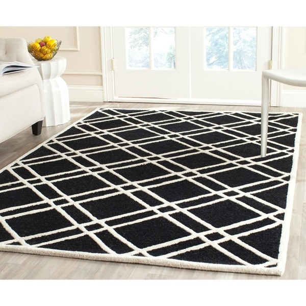 Safavieh Handmade Moroccan Cambridge Crisscross-pattern Black/ Ivory Wool Rug - 8' x 10'
