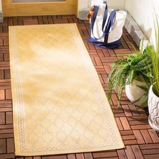 Safavieh Courtyard Trellis All-Weather Yellow/ Beige Indoor/ Outdoor Rug (2'3 x 6'7)