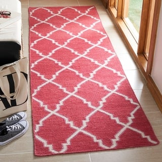Safavieh Hand-woven Moroccan Reversible Dhurries Red/ Ivory Wool Rug (2'6 x 10')