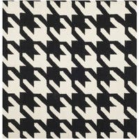 Safavieh Hand-woven Moroccan Reversible Dhurries Black/ Ivory Wool Rug - 6' Square