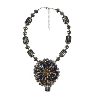 Handmade Midnight Allure Chrysanthemum Crystal Floral Necklace (Thailand)