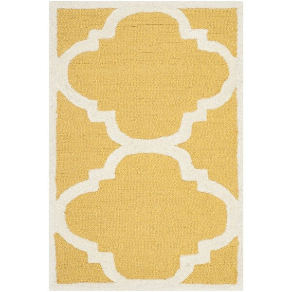 Safavieh Handmade Moroccan Cambridge Geometric Gold/ Ivory Wool Rug (2' x 3') - 2' x 3'