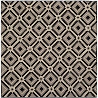 Safavieh Indoor/ Outdoor Four Seasons Black/ Grey Rug (6' Square)