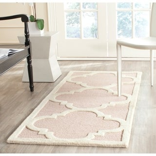 Safavieh Handmade Moroccan Cambridge Light Pink/ Ivory Wool Rug (2'6 x 10')
