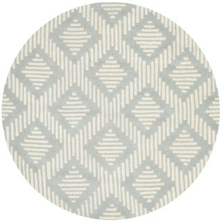 Safavieh Handmade Moroccan Chatham Gray/ Ivory Wool Rug with 0.5-Inch Pile (5' Round)