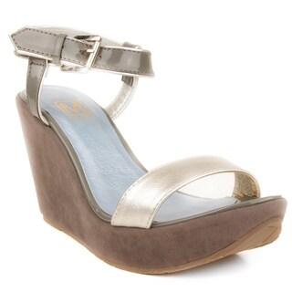 Makers Women's 'Capri 8' Grey Wedge Sandals