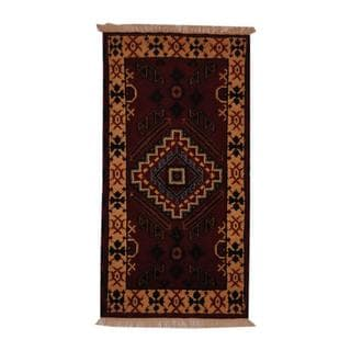 Herat Oriental Indo Hand-knotted Kazak Red/ Ivory Wool Area Rug (2'2 x 4')