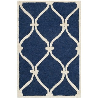 Safavieh Handmade Moroccan Cambridge Navy/ Ivory Wool Rug (2' x 3')