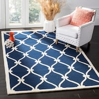 Safavieh Handmade Moroccan Cambridge Canvas-backed Navy/ Ivory Wool Rug - 4' x 6'