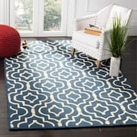 Safavieh Handmade Moroccan Cambridge Contemporary Navy/ Ivory Wool Rug - 6' x 9'