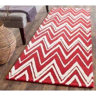 Safavieh Handmade Moroccan Cambridge Red/ Ivory Wool Rug (2'6 x 8')