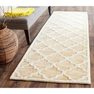 Safavieh Handmade Precious Beige Wool/ Polyester Rug (2'6 x 12')