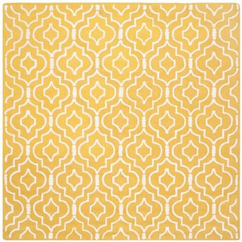 Safavieh Handmade Moroccan Cambridge Gold/ Ivory Wool Rug - 6' x 6' Square