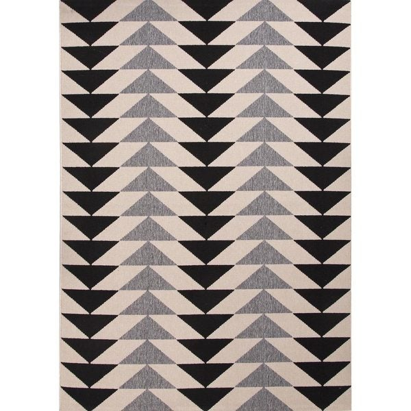 Maverick Indoor/ Outdoor Geometric Black/ Cream Area Rug - 7'11 x 10'